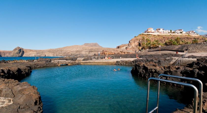 Top piscinas naturales destinosalucinantes for Piscinas naturales en portugal